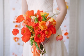Wedding Wednesday: Single pop of color adds unique beauty to wedding décor