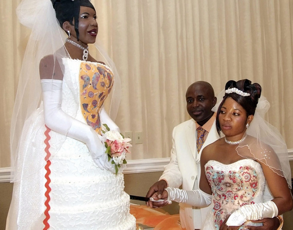 Forever Embarrassed: The Most Ridiculous, Hilarious And Awkward Wedding Photos Of All Time from bossip.com.