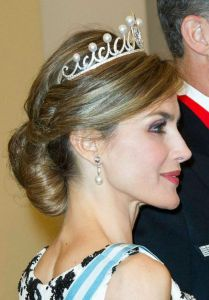 wedding-hairstyle-royals