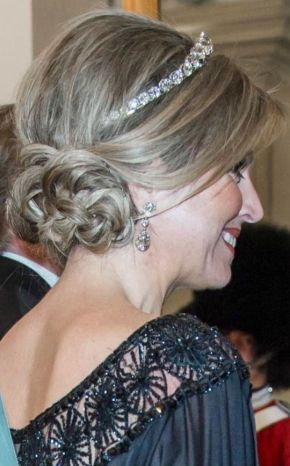 Wedding Wednesday: Hairstyles fit forroyalty