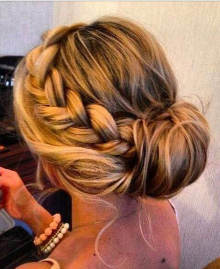 Cre8 Salon & Spa will make your hair look perfect for your wedding.